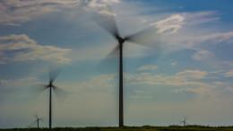 hydraulic fracking vs wind power